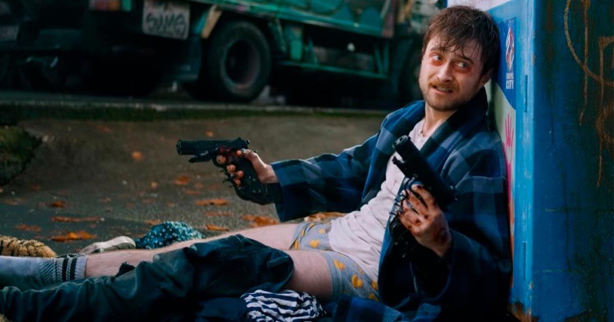 Дэниел Рэдклифф стреляет из двух рук – трейлер фильма «Пушки Акимбо»