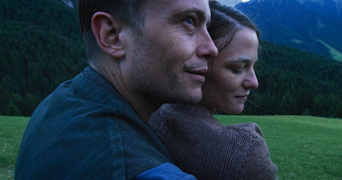 Красота, Бог, совесть и одиночество: рецензия на фильм «Тайная жизнь» Терренса Малика